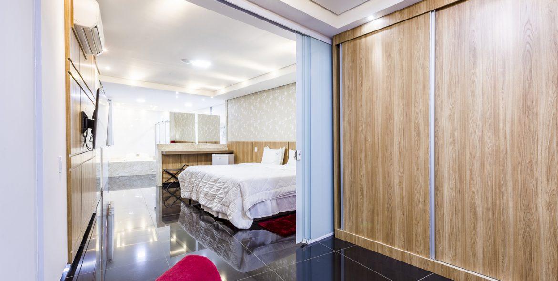 01b-suite_320