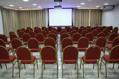 Sala de Eventos (retaguarda, noturna)